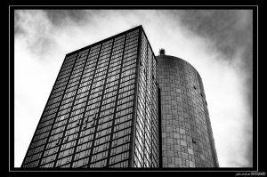 Architektur von Frankfurt: Main Tower